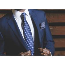 Kostiumų ir mėlynos spalvos anatomija